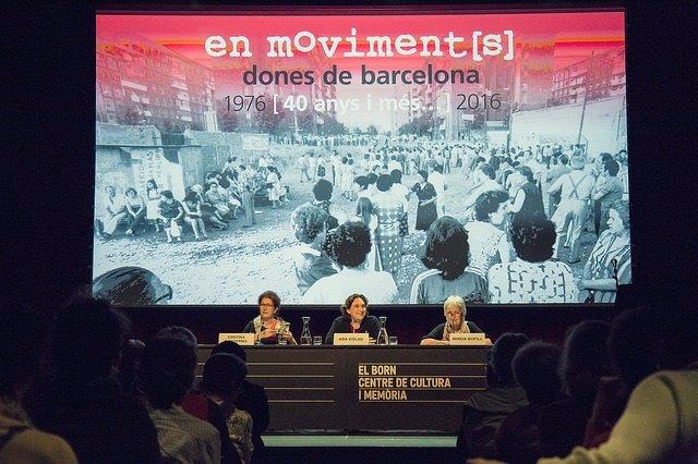 Presentación de 'En moviment[s]. Dones de Barcelona. 40 anys i més. A976-2016'