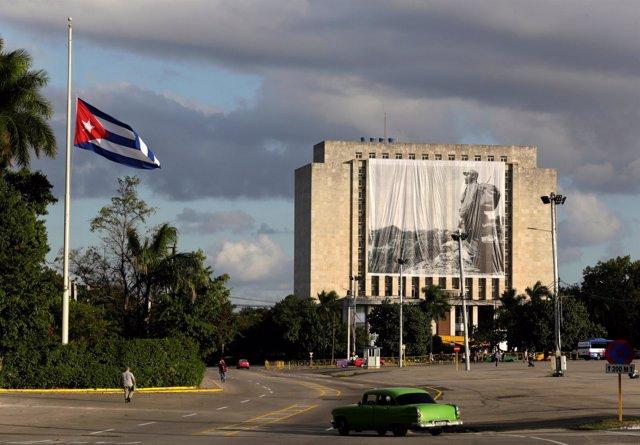 Foto gigante de Fidel en la Plaza de la Revolución