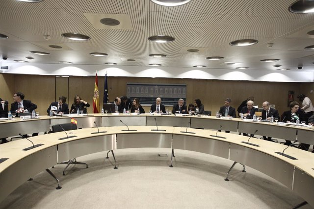 Montoro, Currás, Beteta y grupo en el Consejo de Política Fiscal y Financiera