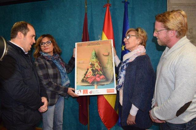 Foto/ Presentación De La Xxxii Muestra Artesana Regional De Navidad