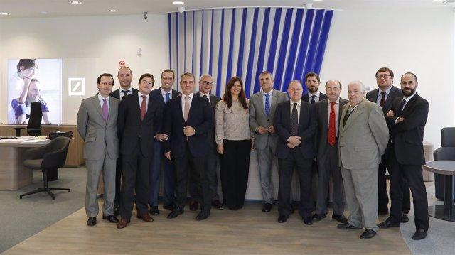 deutsche bank inaugura oficina en la buhaira en sevilla
