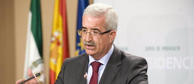 Manuel Jiménez Barrios tras el Consejo de Gobierno