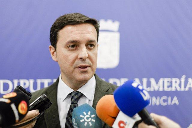 Javier Aureliano García critica la actitud del PSOE con Galasa.