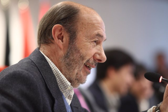Rubalcaba en la presentación del libro del hijo de Guillermo Fernández Vara