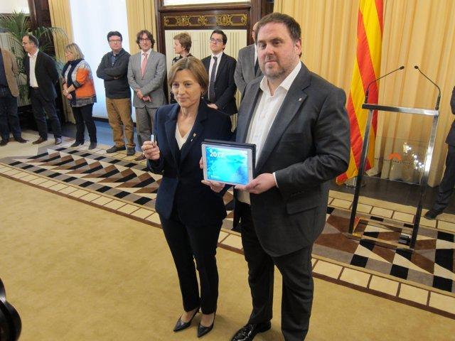 La pta.Del Parlament Carmel Forcadell y el conseller de Economía Oriol Junqueras