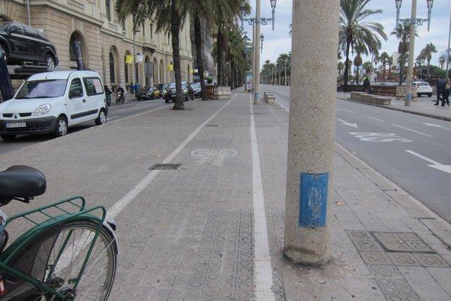 Carril bici de barcelona, bicicleta, movilidad