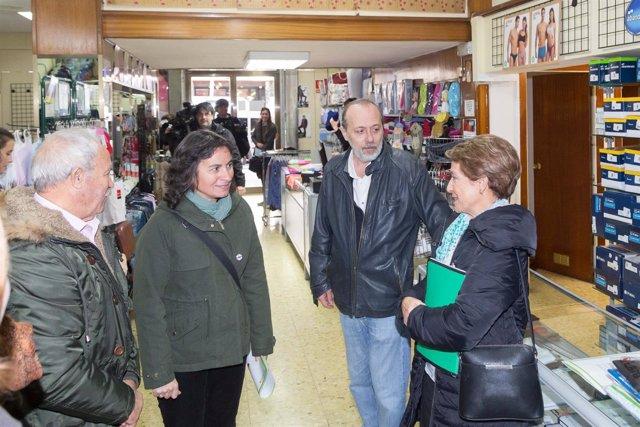 Luisa Broto visita la Red de comercios amigables con las personas mayores