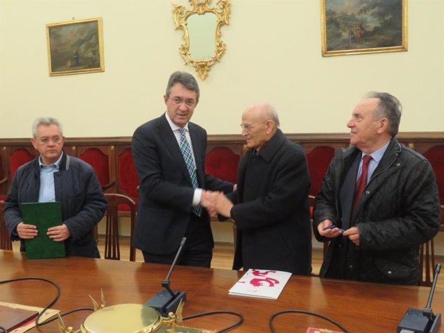 La Diputación De León Destina 15.000 Euros Para Reparaciones En La Catedral De A