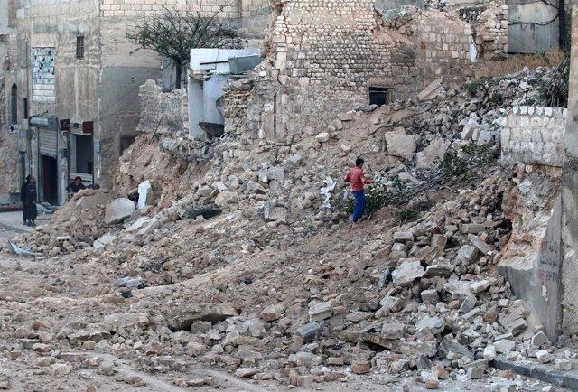 Restos de edificios en la zona este de Alepo