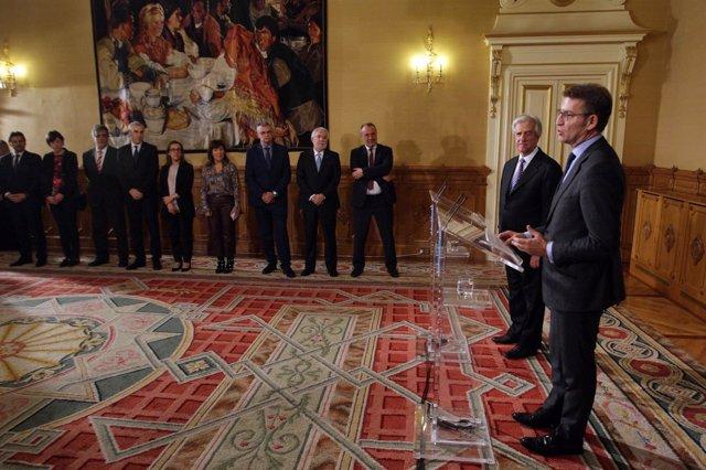 O Responsable Do Goberno Autonómico, Alberto Núñez Feijóo, Acompañado De Membros