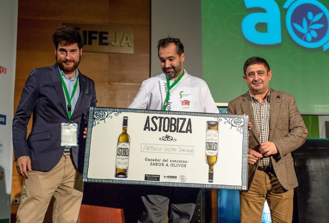 Entrega de premios del concurso Sabor a Olivos a Antonio Castro