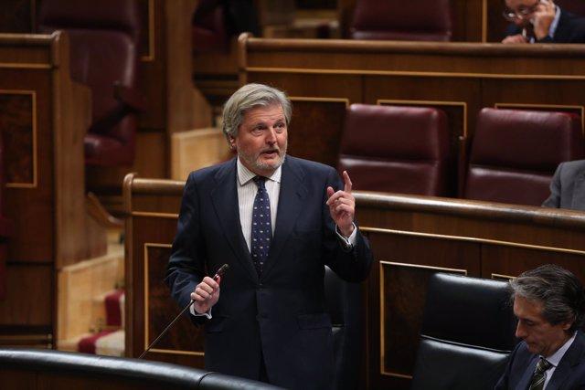 Iñigo Méndez de Vigo en la sesión de control en el Gobierno