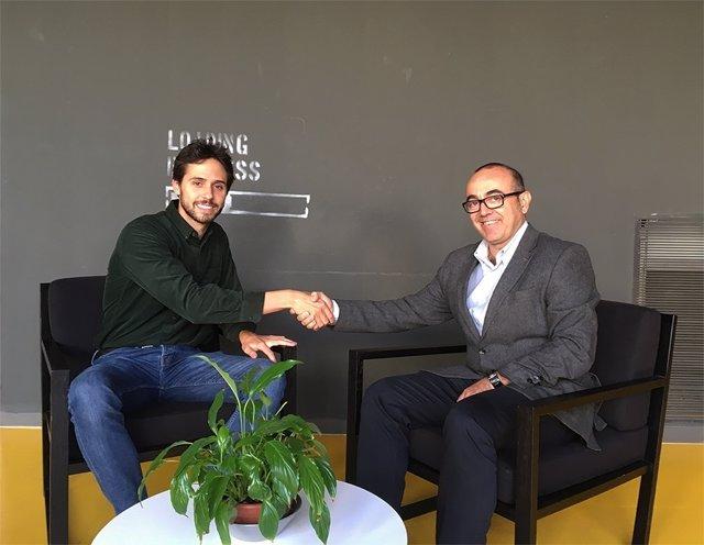 El socio fundador de Novicap, Marc Macià, y el CEO de B2BRouter, Oriol Bausà