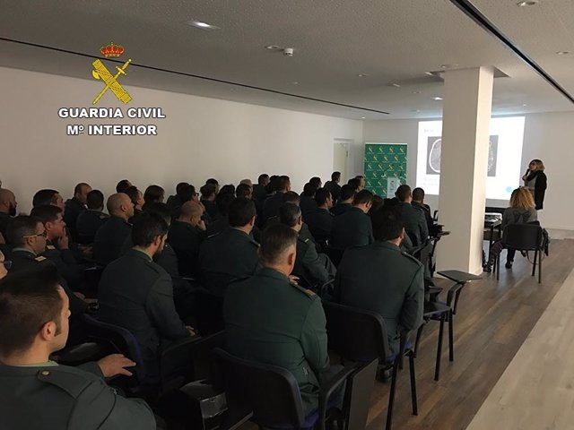 Taller sobre demencias para la Guardia Civil