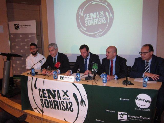 Presentación de la iniciativa 'Cena por Sonrisas'