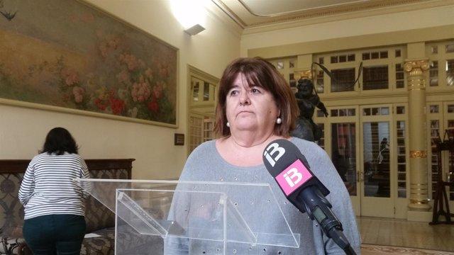 La presidenta del Parlament, Xelo Huertas