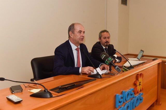 El consejero de Economía, Pedro Ortega hoy en rueda de prensa