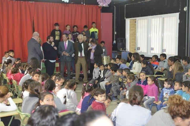 Espadas visita el CEIP Manuel Altolaguirre