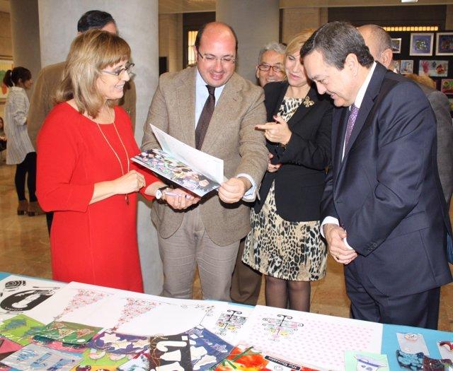 Foto / El Presidente De La Comunidad Inaugura La Exposici Ón 'Artesano', Organiz