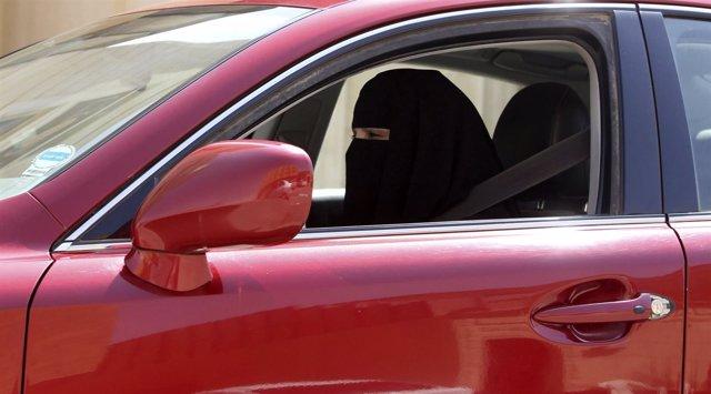 Arabia Saudi, mujeres conduciendo