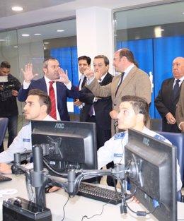 Fotos / El Presidente De La Comunidad Inaugura Las Nuevas Instalaciones Del Grup