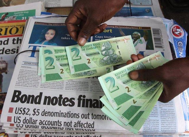 Billetes de dos dólares zimbabuenses