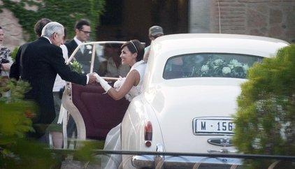 'Velvet': Las fotos de Paula Echevarría y Miguel Ángel Silvestre en su boda como Ana y Alberto