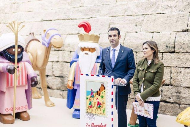 El alcalde presenta el programa municipal de Navidad