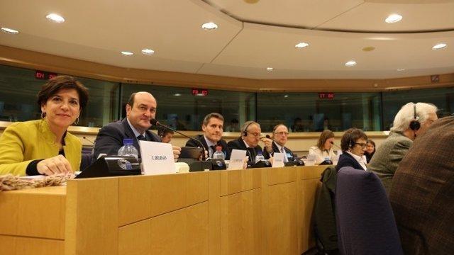 Andoni Ortuzar en Bruselas