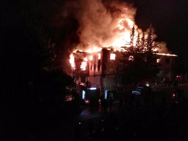 Incendio en una residencia de estudiantes en Adana, Turquía