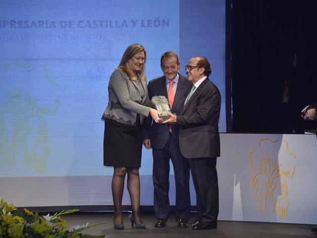 Ndp: Los Fundadores Y Propietarios Del Restaurante José María Y Pago De Carraove