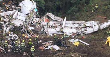 Las autoridades confirman que el avión del Chapecoense se quedó sin...