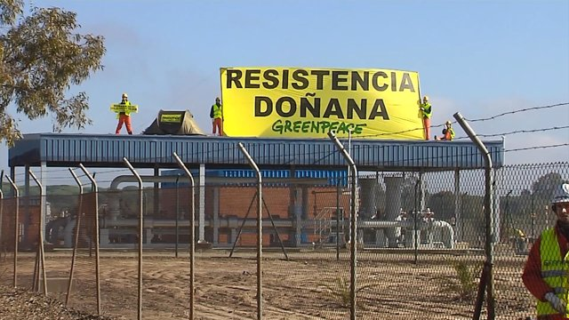 Greenpeace intenta paralizar las obras de Gas Natural en Doñana