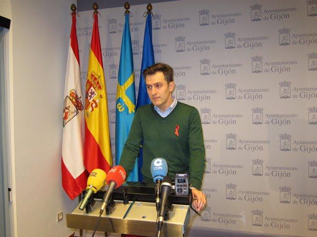 El portavoz del Grupo Municipal Socialista de Gijón, José María Pérez.