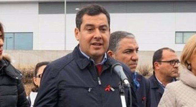 Juanma Moreno presidente PP-A oña bendodo y mari paz fernandez
