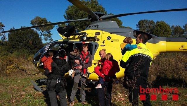 Encuentran a cuatro niños de tres años perdidos en una zona boscosa de S.Cugat