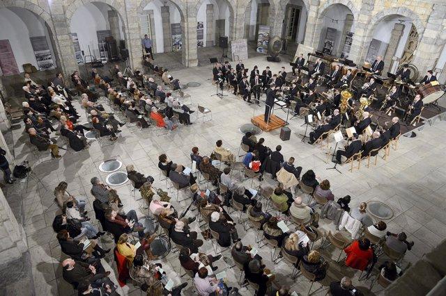 Imagen de un concierto de la Banda Municipal de Santander en el Parlamento