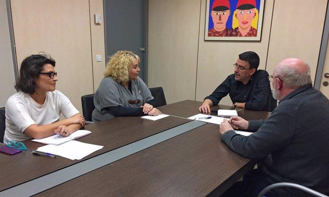 Reunión de Mario Jiménez con Izquierda Socialista