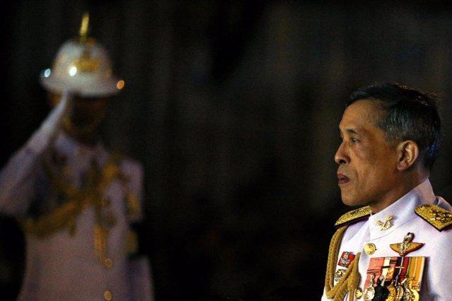 El príncipe heredero tailandés Maha Vajiralongkorn, antes de convertirse en rey