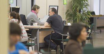 El paro sube en 721 personas en noviembre en Extremadura y cae un 5,42% ...