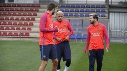 Futbol.- Piqué, Alba i Iniesta entrenen amb el grup i apunten amb fermesa al Clàssic (MIGUEL RUIZ / FCB)