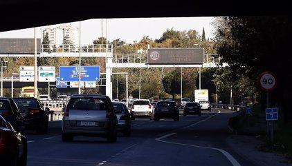 Varios accidentes en Madrid, Valencia, Sevilla y Barcelona complican el inicio de la Operación Salida