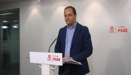 """Luena exige """"ya"""" el Congreso del PSOE y critica la irresponsabilidad de la investidura"""