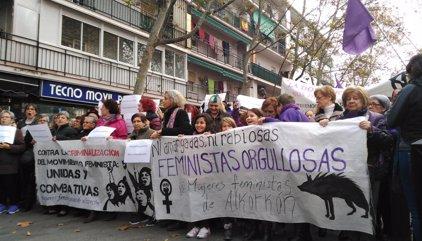 Cerca de mil personas piden la dimisión de David Pérez en una manifestación en Alcorcón