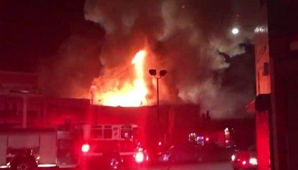 Al menos nueve muertos y 25 desaparecidos por un incendio declarado durante una fiesta en California