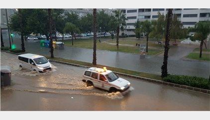 La lluvia provoca cerca de 200 incidencias en Málaga durante la noche
