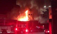 Policia confirma 24 morts a l'incendi d'Oakland i avança que la xifra de morts augmentarà (BOMBEROS DE OAKLAND)