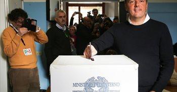 El bloque del 'No' pide la dimisión inmediata de Matteo Renzi