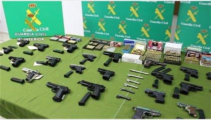 Desmantelada una red que vendía ilegalmente armas de fuego
