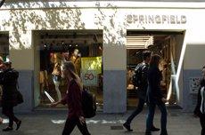 La confiança del consumidor es dispara 8,7 punts el novembre per millors expectatives (EUROPA PRESS)